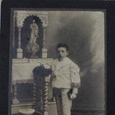 Fotografía antigua: FG-35. FOTOGRAFIA DE NIÑO CON TRAJE DE PRIMERA COMUNION. HACIA 1912. FOTO DE ESTUDIO.. Lote 50544260