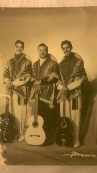 FOTO DE TRIO MUSICAL DESCONOCIDO TOMADA POR BIXIO - ARGENTINA - ORIGINAL CERTFICADA (Fotografía Antigua - Ambrotipos, Daguerrotipos y Ferrotipos)