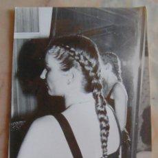 Fotografía antigua: (TC-4) FOTOGRAFIA PELUQUERIA PEINADO AÑOS 80. Lote 57717805