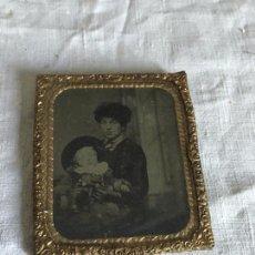 Fotografía antigua: MADRE CON NIÑO. MOTHER WITH CHILD.. Lote 119945954