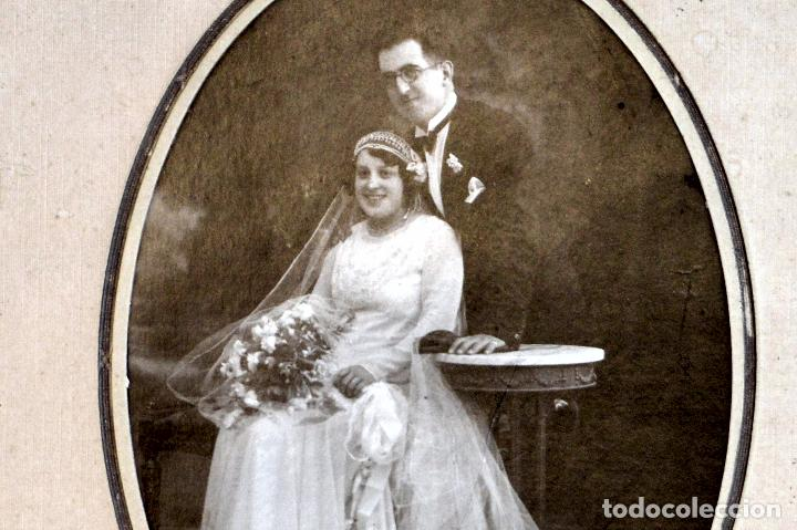 Fotografía antigua: ANTIGUA FOTOGRAFIA NOVIOS BODA EMARCADA PAN DE ORO FOTOGRAFO DAGUERRE BARCELONA SANS - Foto 5 - 64207735