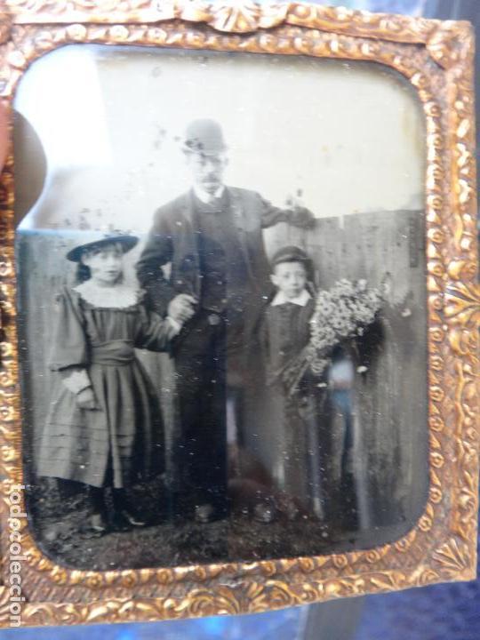 Fotografía antigua: DAGUERROTIPO O FERROTIPO , FOTO PADRE CON HIJOS , SIGLO XIX , ORIGINAL - Foto 3 - 93682280