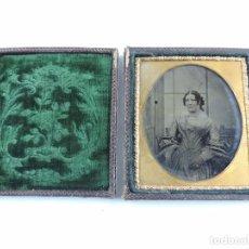 Fotografía antigua: ANTIGUA FOTOGRAFIA AMBROTIPO DE 1/6, CIRCA 1850-1865, PLACA CON CAJA DE GUTAPERCHA, MIDE 9,5 X 8 CM. Lote 102670315
