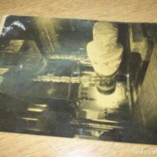 Fotografía antigua: TELEX FOTO PARA PERIODICOS 2 GUERRA FABRIC. PIEZA DE ARTILLERIA. WORLD WAR 2. Lote 110412015