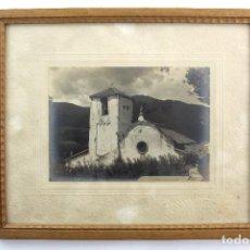 Fotografia antiga: C-574. FOTOGRAFIA DE IGLESIA EN COMARCA DEL MONTSENY. AÑOS 20. MARCO DE MADERA, CON CRISTAL.. Lote 125069391