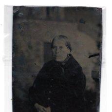 Fotografía antigua: FERROTIPOS 12 X 8 CM RETRATO DE MUJER. Lote 128223979