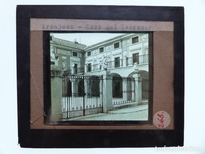 Fotografía antigua: ARANJUEZ, MADRID, 2 CRISTALES - ANTIGUO CRISTAL PARA LINTERNA MAGICA - AÑOS 1920-30 - Foto 2 - 130378966