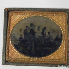 Fotografía antigua: FERROTIPO, S.XIX, MUY BONITA ESCENA EN CARRUAJE, MUY NITIDA. Lote 135796478