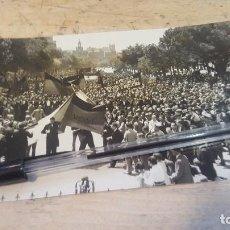 Fotografía antigua: MANIFESTACION EN HONOR DE MEJICO AL PASO POR PASEO CASTELLANA EN MADRID, AÑOS 30, SANCHEZ CATALA FOT. Lote 135997942