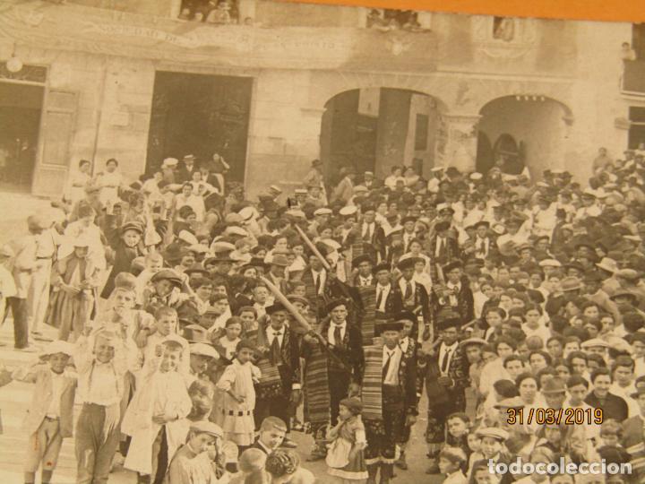 Fotografía antigua: Antigua Fotografía MOROS Y CRISTIANOS en ONTENIENTE Ontinyent Contrabandistas ? - Final Siglo XIX - Foto 3 - 157912674