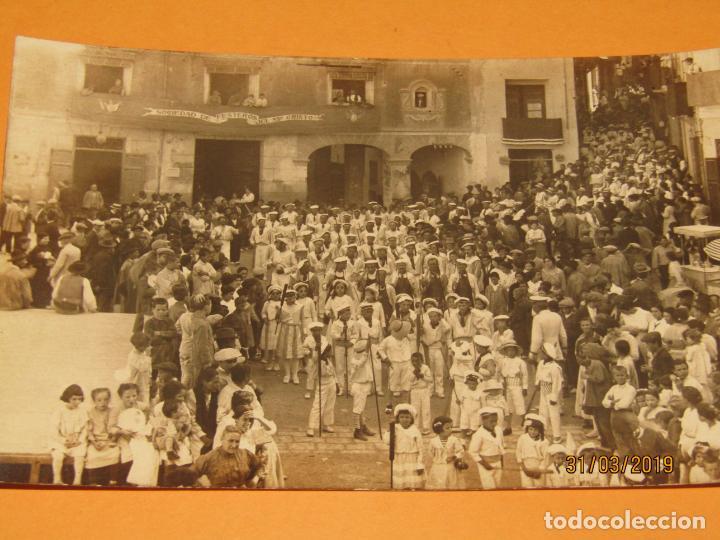 Fotografía antigua: Antigua Fotografía MOROS Y CRISTIANOS en ONTENIENTE Ontinyent MARINOS - Final Siglo XIX - Foto 3 - 157913234