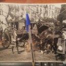 Fotografía antigua: S.M. EL REY ACUDIENDO A LA APERTURA DE LAS CORTES, 24 X 18 CM. . Lote 159519522
