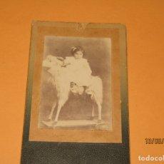 Fotografía antigua: ANTIGUA FOTOGRAFÍA DE NIÑA MONTADA EN GRAN CABRA. Lote 168157148
