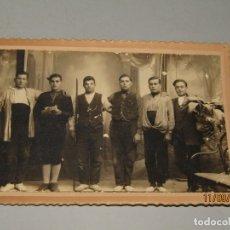 Fotografía antigua: ANTIGUA FOTOGRAFÍA ORIGINAL DE ESTUDIO CON TRAJES DE TORTOSA DE R. ANDREU FOTÓGRAFO - AÑO 1920S.. Lote 176280122