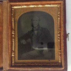 Fotografía antigua: S XIX * 1850´S – 1860´S * ANTIGUA FOTOGRAFÍA EN ESTUCHE CERRADO DE UN CABALLERO. Lote 183482212