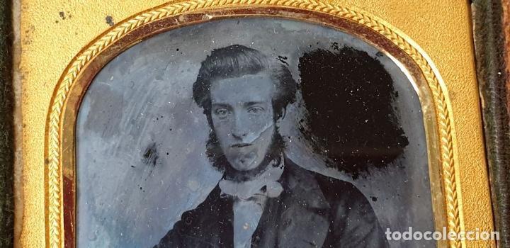 Fotografía antigua: FOTOGRAFÍA DE CABALLERO. AMBROTIPO SOBRE CRISTAL. GEORGE RUFF. SIGLO XIX. - Foto 5 - 184689070