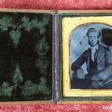 Fotografía antigua: FOTOGRAFÍA DE CABALLERO. AMBROTIPO SOBRE CRISTAL. GEORGE RUFF. SIGLO XIX. . Lote 184689070