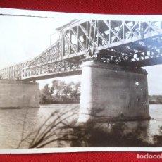 Fotografía antigua: FOTO LORA DEL RIO SEVILLA MONTAJE DL PUENTE SOBRE EL GUADALQUIVIR NOVIEMBRE 1929. Lote 191113577