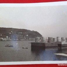 Fotografía antigua: FOTO DE SAN ESTEBAN DE PRAVIA ATURIAS, CAJONES DEL PUERTO , MARZO 1930. Lote 191194305