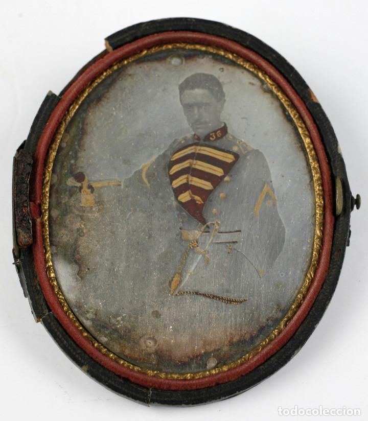 Fotografía antigua: DAGUERREOTIPO DE MILITAR - Tamaño 11x9 cm. - Foto 3 - 191792358