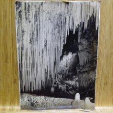 Fotografía antigua: ANTIGUA FOTOGRAFÍA DE LAS CUEVAS DEL DRACH (MALLORCA).SALA LA CERERIA.. Lote 194147208