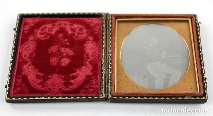 Fotografía antigua: DAGUERREOTIPO DE MILITAR - Tamaño 8,5 X 9,5 cm. - Foto 3 - 196742651