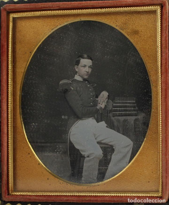 Fotografía antigua: DAGUERREOTIPO DE MILITAR - Tamaño 8,5 X 9,5 cm. - Foto 6 - 196742651
