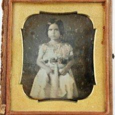 Fotografía antigua: DAGUERREOTIPO DE NIÑA, ESPAÑA 1850'S. 1/6 DE PLACA. PROCEDENCIA BARCELONA CIUDAD. CAJA: 8X9 CM.. Lote 209914558