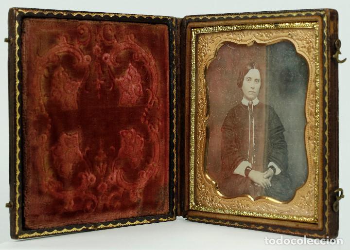 Fotografía antigua: DAGUERREOTIPO DE JOVEN, ca.1850. Estuche: 8,3x9,5 cm. - Foto 4 - 217924106