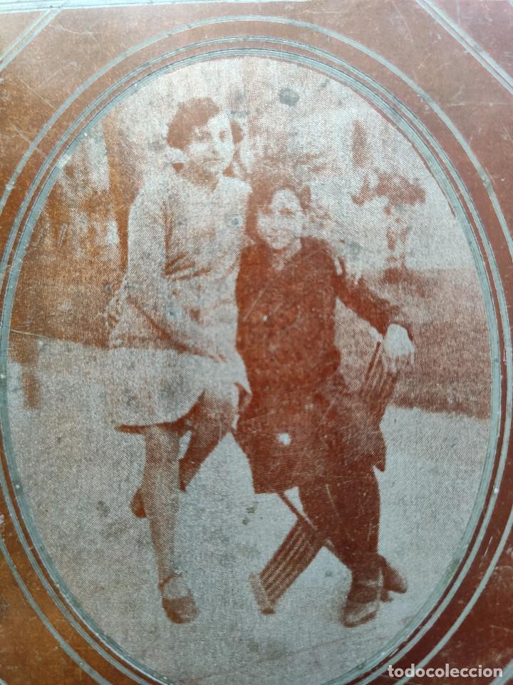 Fotografía antigua: Fotografía sobre placa metálica, posiblemente de zinc. Años 30. Dimensiones: 9 cm. x 10 cm. - Foto 3 - 219114885
