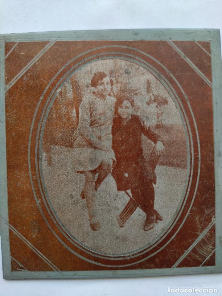 Fotografía antigua: Fotografía sobre placa metálica, posiblemente de zinc. Años 30. Dimensiones: 9 cm. x 10 cm. - Foto 4 - 219114885