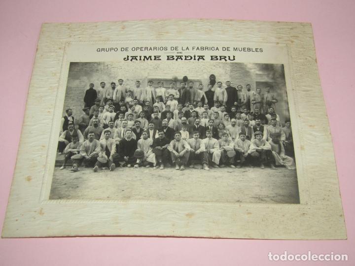 ANTIGUA FOTOGRAFÍA DE GRAN TAMAÑO GRUPO DE OPERARIOS FÁBRICA DE MUEBLES DE JAIME BADIA BRU - 1920S. (Fotografía Antigua - Ambrotipos, Daguerrotipos y Ferrotipos)