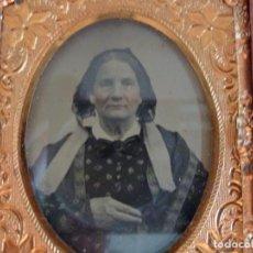 Fotografía antigua: AMBROTIPO PLACA MUJER - CARA TINTADA. 6,5 X 7,5 CM.. Lote 237766395