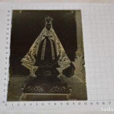 Fotografía antigua: ANTIGUO NEGATIVO SOBRE PLACA CRISTAL - VIRGEN SOBRE PEQUEÑO TRONO / PRINCIPIOS 1900 ¡MIRA!. Lote 277520593
