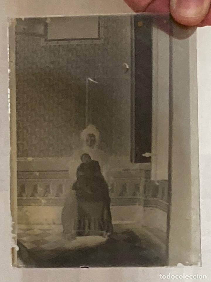SIGLO XIX - FOTOGRAFÍA POST MORTEM DE MUJER CON NIÑO MUERTO EN CRISTAL - FAMILIA ESPAÑOLA SIN DATOS (Fotografía Antigua - Ambrotipos, Daguerrotipos y Ferrotipos)
