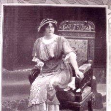 Fotografía antigua: REUS 1912 REINA FOTO PAPEL COPIA REVISTA. Lote 22766106