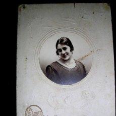 Photographie ancienne: GUTIERREZ.1921.TUY.SOBRE CARTÓN CON RELIEVES ARTÍSTICOS.DEDICADA-FECHADA FIRMADA.ENVÍO PAGADO... Lote 27434368