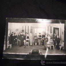 Fotografía antigua: FOTOGRAFÍA DEL GRUPO TEATRAL - FOMENT EXCURSIONISTA DE BARCELONA - (DEDICADA). Lote 10524913