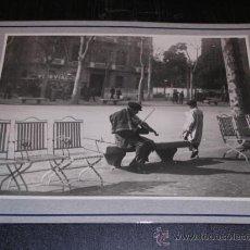 Fotografía antigua: BARCELONA,1915,COSTUMS POPULARS,MUSICS DE CARRER,CLIX,1803.TAMPON ARXIU MAS,25X20 CM.VER FOTO. Lote 14184890
