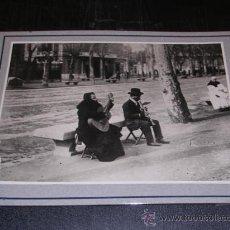 Fotografía antigua: BARCELONA 1915,CLIX.1806,COSTUMS POPULARS,MUSICS DE CARRER,TAMPON ARXIU MAS,25X20 CM. VER FOTOS,. Lote 14184918