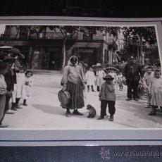 Fotografía antigua: BARCELONA,,1906,COSTUMS POPULARS.ELS GITANOS DEL MICO ,TAMPON ARXIU MAS 25X20 CM. VER FOTOS,. Lote 14185498