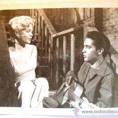 Fotografía antigua: FOTOGRAFIA DE ÉPOCA DE YUESDAY WELD Y ELVIS PRESLEY AÑO 1969. Lote 23214602