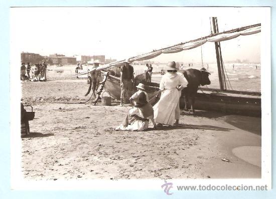 playa de la malvarrosa. valencia. foto del rodaje de una película, usado segunda mano