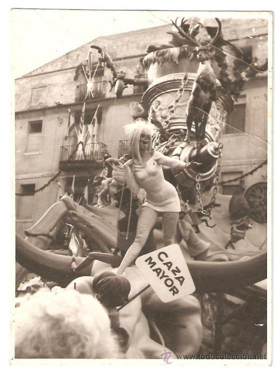 VALENCIA. FALLA PLAZA DEL PILAR AÑO 1968. 11,5 X 8 CMS. (Fotografía - Artística)