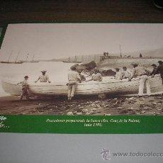 Fotografía antigua: PESCADORES PREPARANDO LA BARCA (SANTA CRUZ DE LA PALMA) AÑO 1901. Lote 25252421