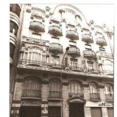 Fotografía antigua: VALENCIA. EDIFICIO MODERNISTA DE LA CALLE CIRILO AMOROS. Lote 27569196