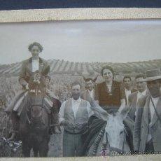 Fotografía antigua: FOTOGRAFÍA COSTUMBRISTA -PRINCIPIOS S. XX-. ENMARCADA. DIMENSIONES.- 10,2X7,3 CMS.. Lote 27791265