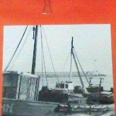 Fotografía antigua: ANTIGUA FOTOGRAFIA DEL PUERTO DE LAREDO. BLANCO Y NEGRO. 24 X 30 CM. ORIGINAL. Lote 28225708