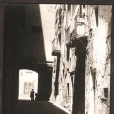 Fotografía antigua: SANTA MARIA DEL MAR. C/ARC DE LA BUFANALLA. ANY 1955. Lote 30876677