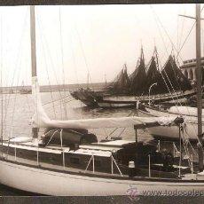 Fotografía antigua: ARENYS DE MAR. MOLL DE PESCADORS. ANY 1962.. Lote 31086892
